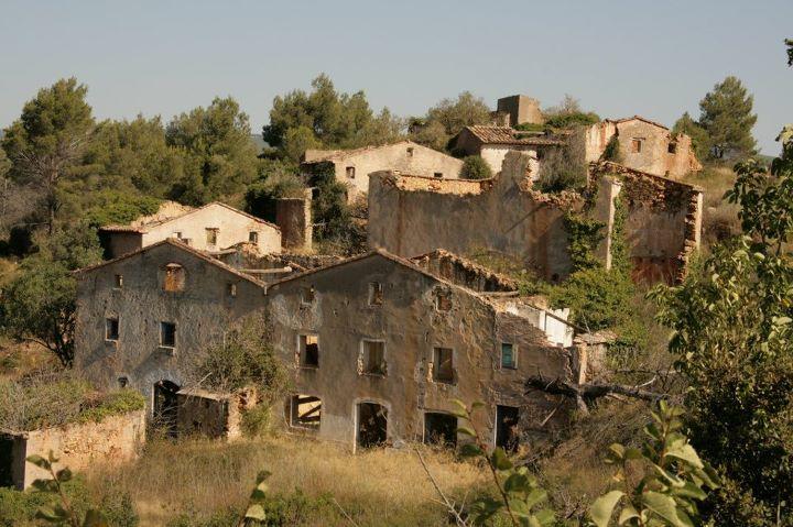 Pueblos abandonados en busca de habitantes